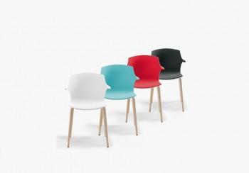 Frill sedie colorate per collettività - Riganelli Arredamenti