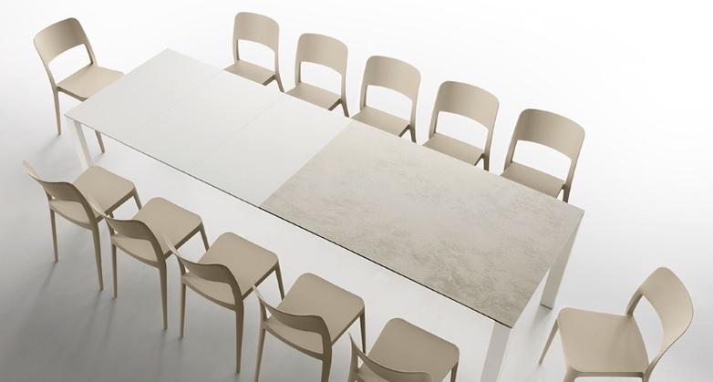 Tavolo allungabile per la casa Badù - Riganelli Arredamenti