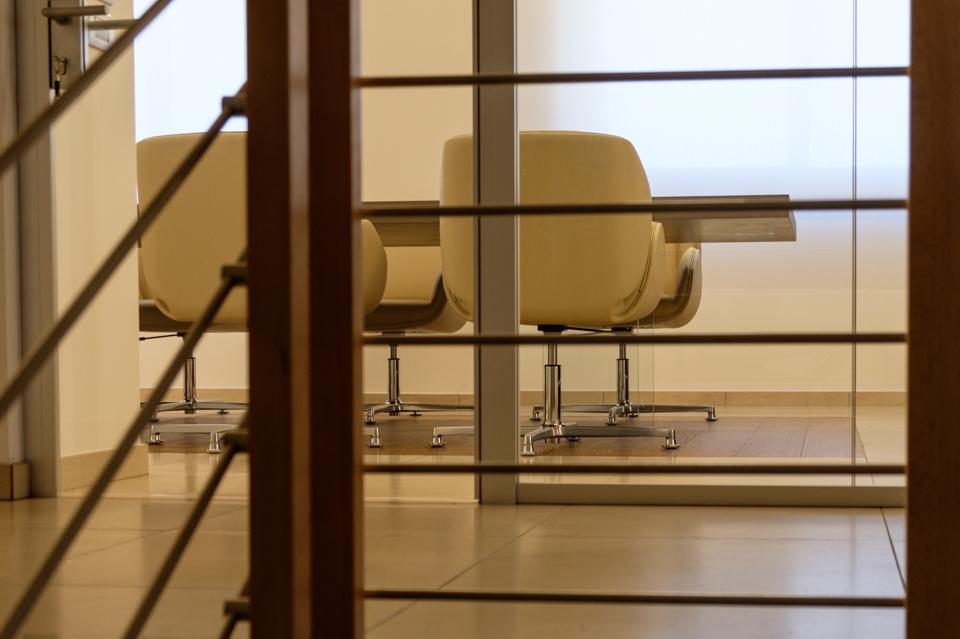 Dettaglio realizzazione sala riunione - Riganelli Arredamenti