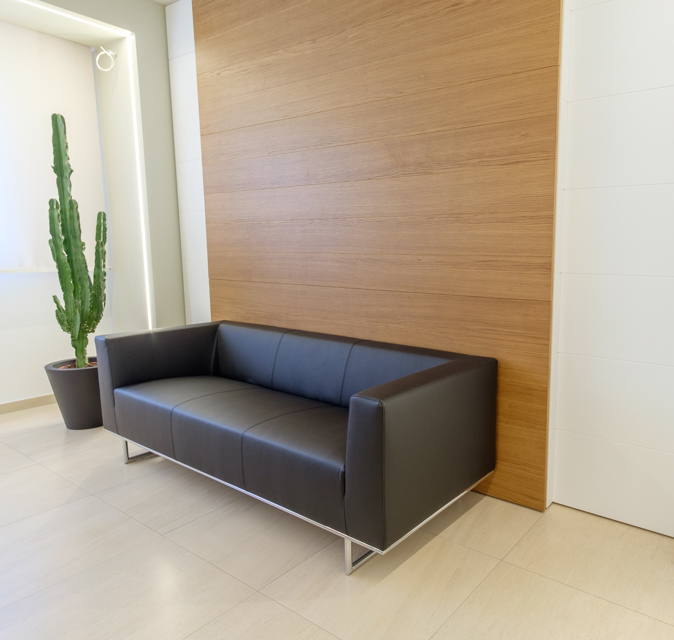 Divanetto tre posti sala d'attesa - Riganelli Arredamenti