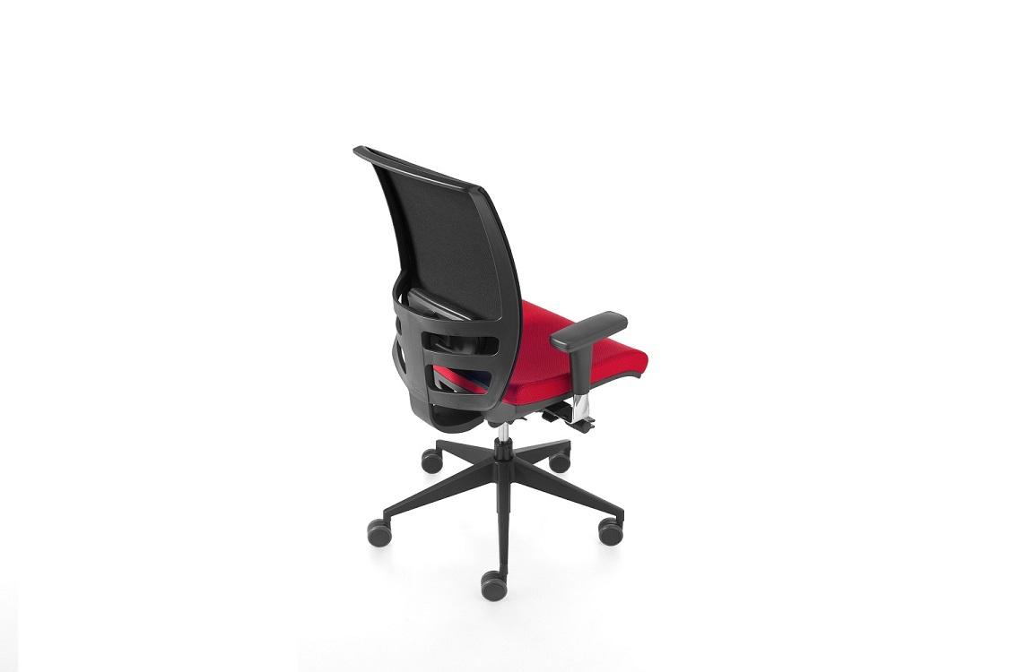 Konica-sedia-ufficio-con-braccioli-regolabili-riganelli
