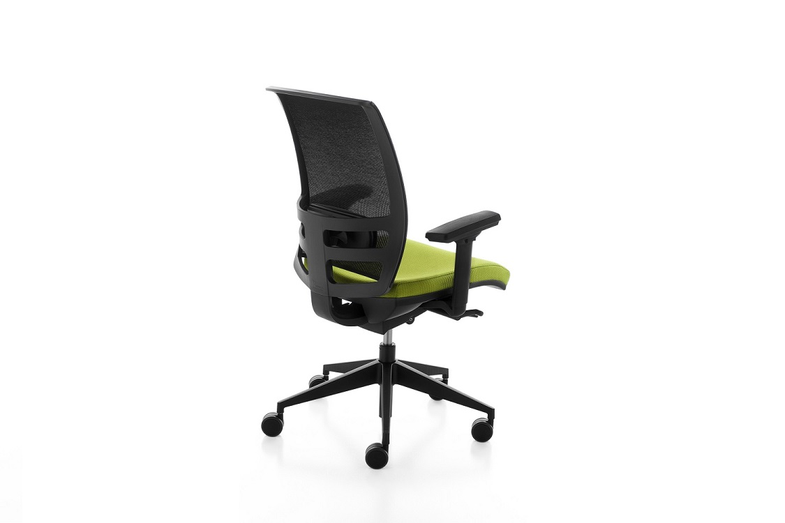 Konica-seduta-ufficio-operativo-riganelli