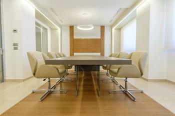 sala riunione realizzazione di Riganelli