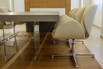 Suoni sedia girevole 4 razze imbottita - Riganelli Arredamenti