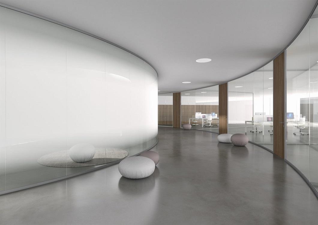 Monovetro-parete-divisoria-uffici-in-vetro-arrotondata-Riganelli-Arredamenti