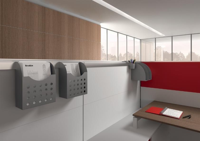 Dettaglio divisorio attrezzabile ufficio open space - Riganelli Arredamenti