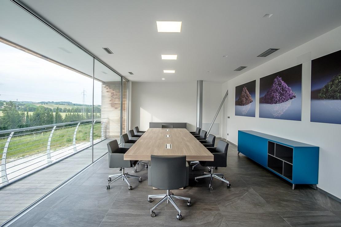 sala riunioni rimel realizzazione arredo per sala riunione di riganelli arredamenti