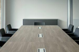 tavolo riunione con top access passacavi - riganelli