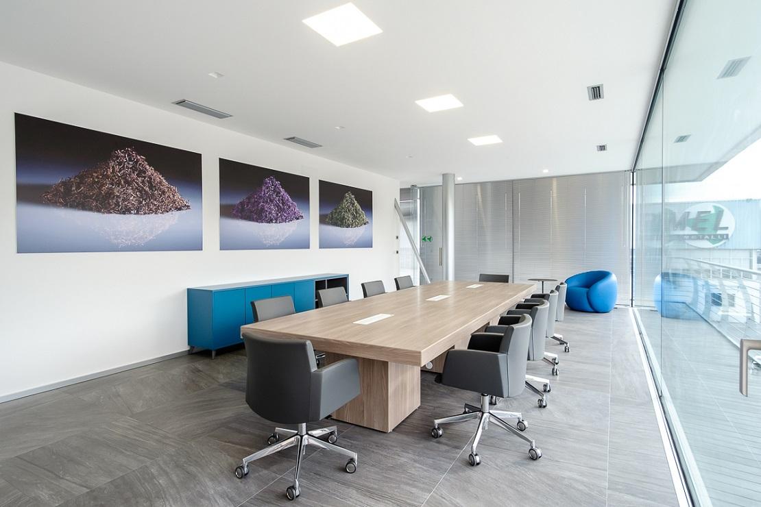 tavolo riunione e poltroncine girevoli per sala riunioni - riganelli