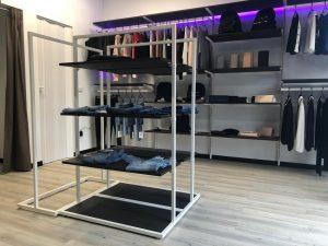 6_sistemi componibili per arredo negozio - riganelli