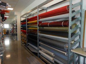 scaffalatura-zincata-realizzazione negozio di tessuti-riganelli