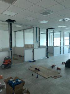 montaggio parete divisoria ufficio - riganelli