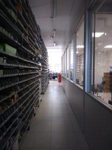 montaggio scaffalture e pareti divisorie -riganelli