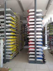 scaffalatura per ricambi arredo negozi - riganelli