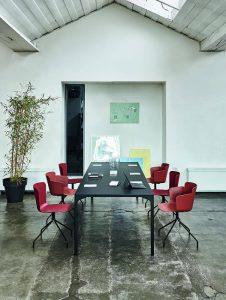 tavolo riunione e sedie fisse per ufficio - riganelli