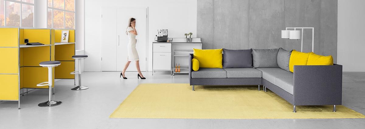 arredo grigio giallo pantone 2020 -riganelli