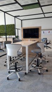 Postazione multimediale meeting con monitor -riganelli